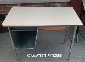 metal_school_desk