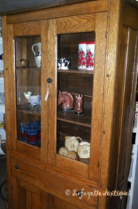 oak_kitchen_cabinet